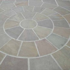 Hand Cut Circle Raj Green Sandstone Paving 2.8m