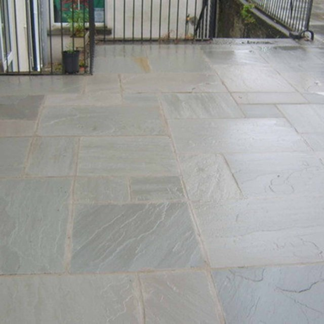 Castle Grey Sandstone Paving per mtr