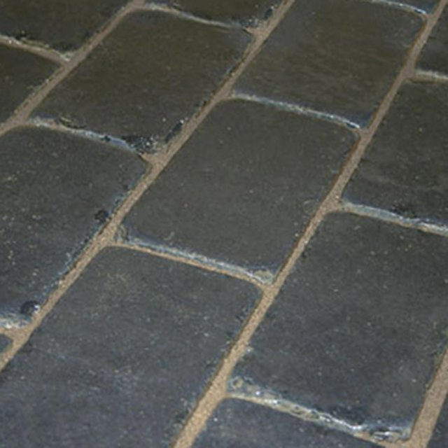 Limestone Setts Black